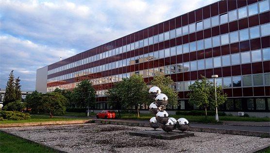 Farmaceutická fakulta UK v Hradci Králové